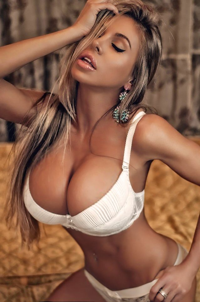 Big And Sexy Women Photos With Big Breast 18