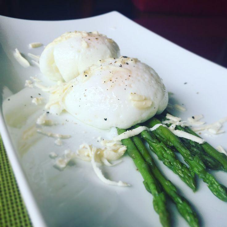 Huevos Escalfados o Huevos Pochados - Mejor Real que Perfecto