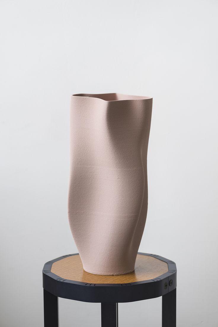 Olivier Van Herpt - Functional 3D Printed Ceramic Vase