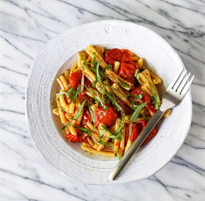 Tomato Confit Pasa - A quick and easy seasonal pasta recipe made with just 3 fresh ingredients.