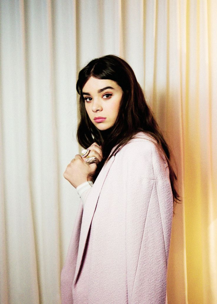 """Hailee Steinfeld 'My parents have always told me, """"The day you stop loving what you do, you're not in the right place."""" As long as I'm loving it as much as I am now, I see myself doing it forever.' - Hailee Steinfeld on acting❤️ #actressinspiration"""