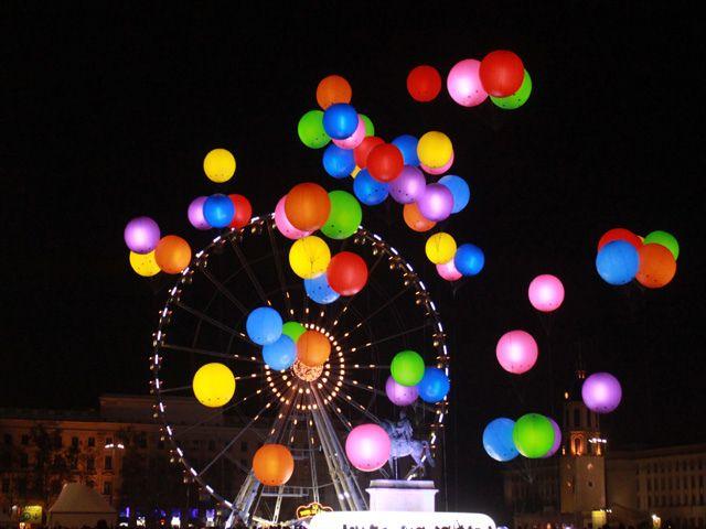Fete des Lumieres Lyon by cgeourjon, via Flickr