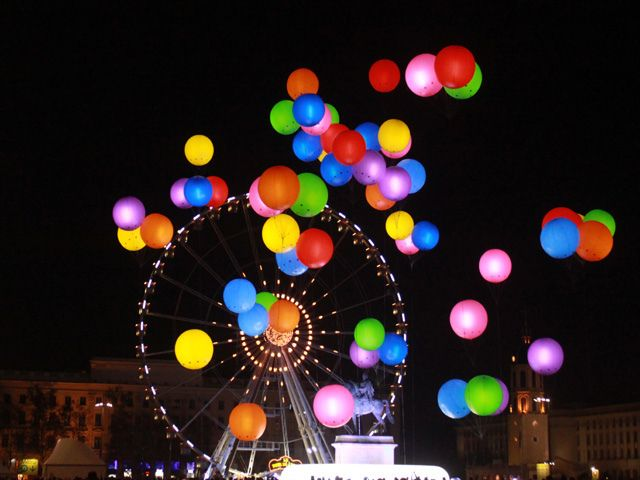 Fete des Lumieres Lyon by cgeourjon, via Flickr