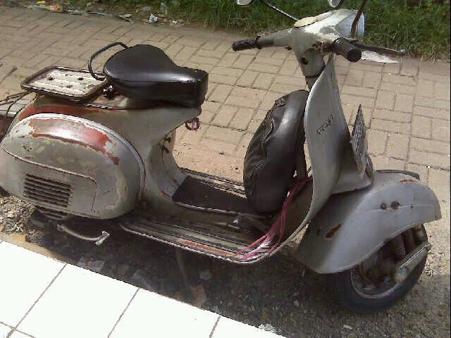 Vespa sprint with original paint