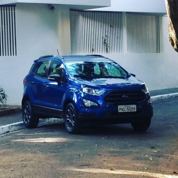 Olha quem tá na área e já tem preços definidos: #FordEcosport 2018 custa entre R$ 73.990 e R$ 93.990 para voltar a brigar pelo topo. Vai conseguir? Entre no link da bio e veja nosso material completo com lista de versões preços e avaliações do 1.5 e do 2.0!  #Ford #EcoSport #SUV #car #instacar #cars #carro #carros #coches #coche #uolcarros