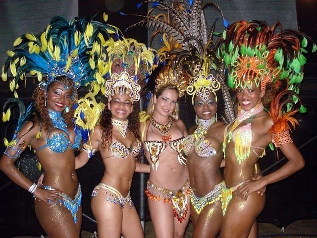 Carnivale, Samba, Sexy women, and outfits....Sounds like Brasil!: Photo Samba, Carnivals Photo, Photo Brazilian, Outfit Sound, Sexy Outfit Costumes, Color Carnivals, Photo Carnivals, Carnivals River, License Photo