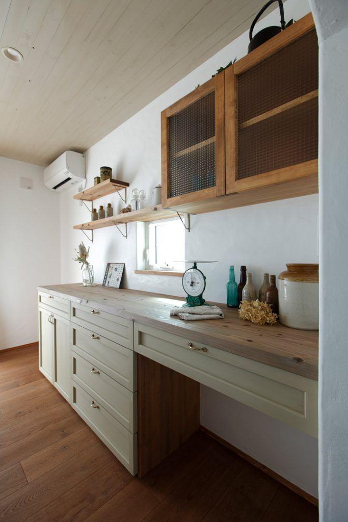 建築実例 La Ferme Rivage 10 キッチンインテリアデザイン 室内ドア