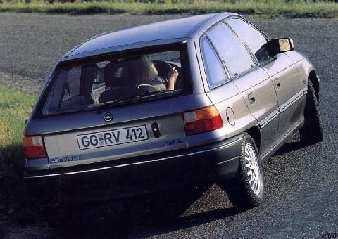 Opel Astra GLS 14i