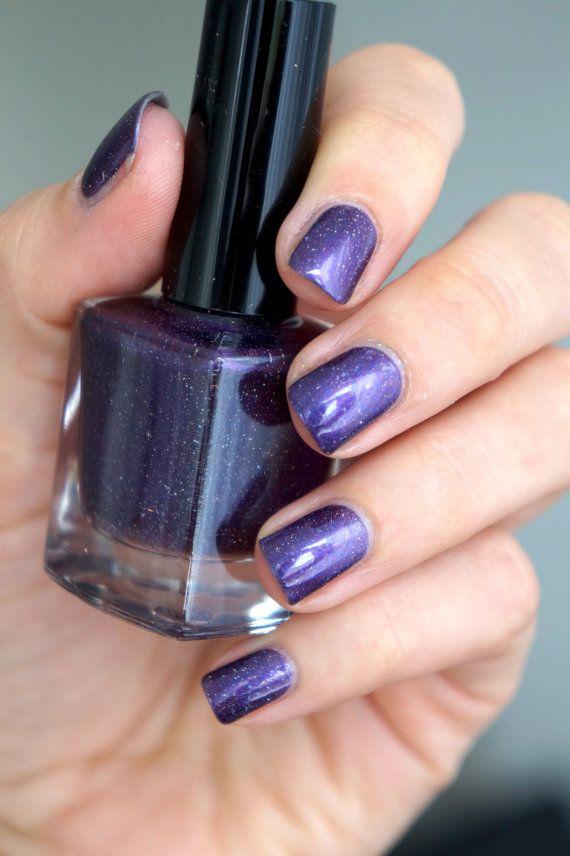 Holographic glitter nail polish 'Purple Rain' by Letitglitter