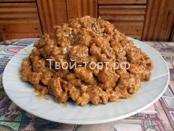 Торт без выпечки «Ленивый муравейник» http://feedproxy.google.com/~r/tvoi-tort/~3/DAjCThnWGNs/tort-bez-vypechki-lenivyj-muravejnik.html  «Ленивый муравейник» – это торт, который можно приготовить буквально за 15 минут, то есть мечта любой хозяйки. При этом он получается нежным, сладким и очень вкусным, а уж то, что в составе домашнего торта магазинное печенье, никто никогда не догадается. Необходимые ингредиенты: печенье типа «Топленое молоко» – 450 грамм очищенные грецкие орехи – 70 грамм…