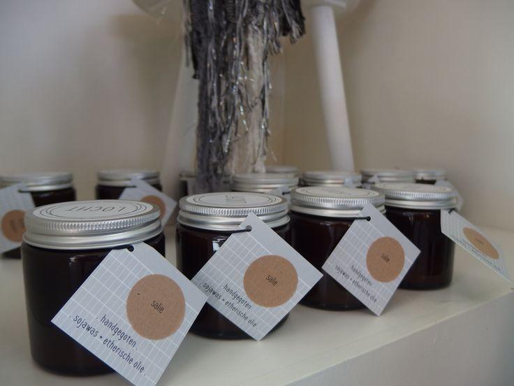 Locht, geurkaarsen van bijenwas en etherische oliën