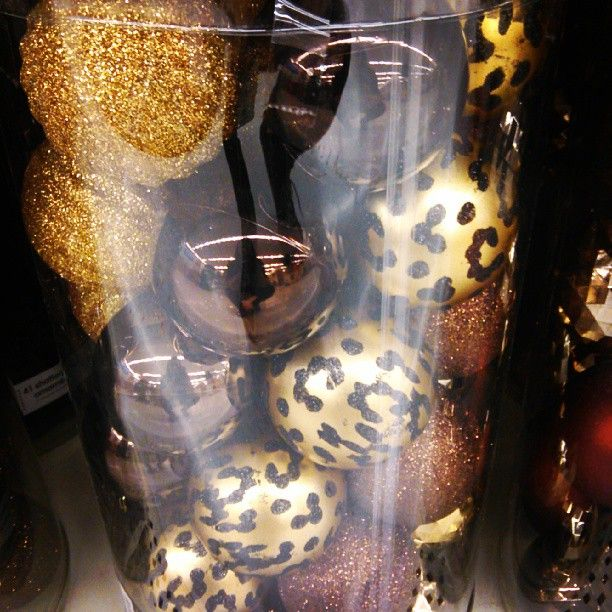 Love these ornaments<3 I am definitely thinking about decorating our tree in Leopard this year<3