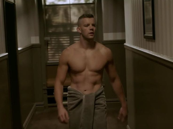 "tovey men Looking"" star russell tovey, 33, revealed that he was assaulted for being gay,  spurring a change in his physical presentation, which his father."