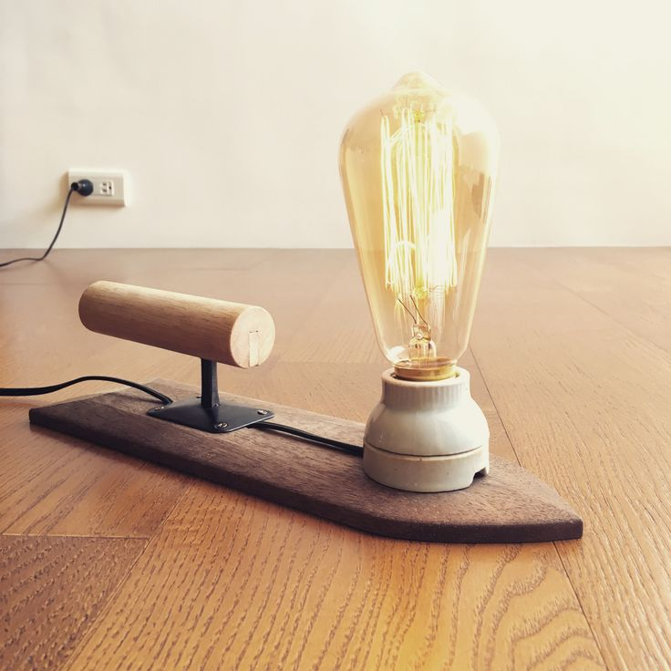 Industrial Table or Desk Lamp - Cement Spatula - Wood - Loft Style - KB12 - Kiang Baby 工業風桌檯燈 - 水泥抹刀 - 木材 - Loft 風格 - KB05 - Kiang Baby This industrial style lamp is handmade from a ceramic bulb...