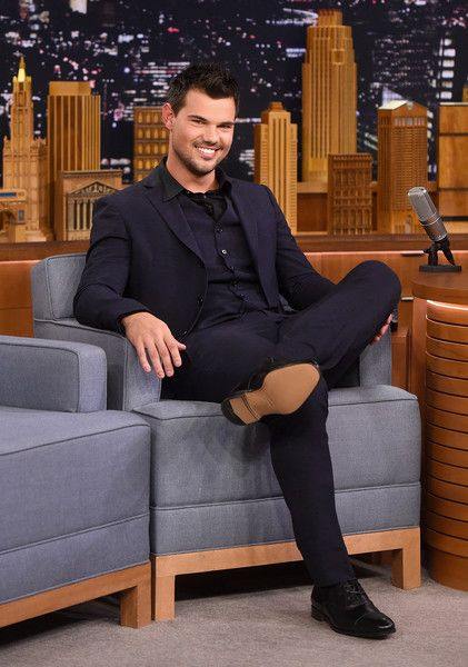 "Taylor Lautner visit's ""The Tonight Show Starring Jimmy Fallon"" at NBC Studios on March 31, 2016 in New York City."