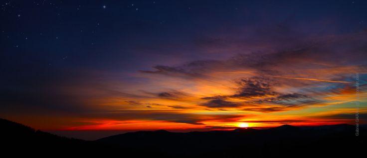 Mountain Sunset - http://lightorialist.com/mountain-sunset/