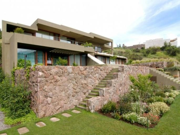 Espectacular casa Mediterránea Valle Escondido. Informe de Engel & Völkers | T-1418556 - ( Chile, Región Metropolitana de Santiago, Lo Barnechea, Valle Escondido )