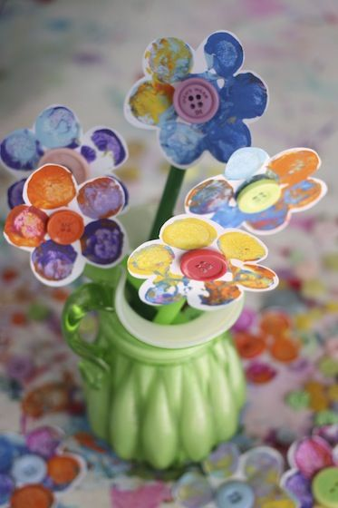 Stamped Flower Craft for kids using corks and buttons - adorable for Easter, Spring or Mother's Day!