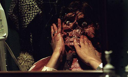 John's Horror Corner presents: Critically comparing the Poltergeist (2015) remake to the original Poltergeist (1982) | Movies, Films & Flix
