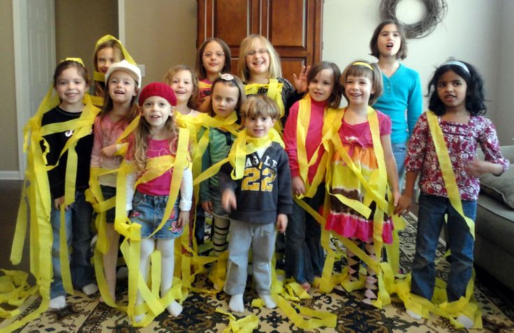 Tangled game with yellow streamers      our life...: Tangled