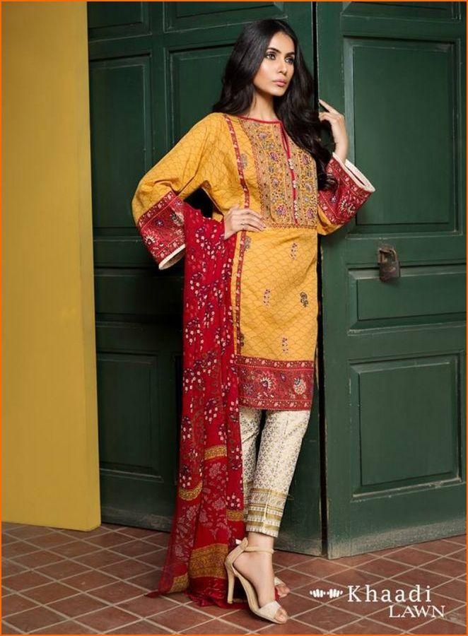 Khaadi Lawn collection -  2017  #pakiclothing #pakistanidesignerwear #pakicouture #2017fashiontrends #desifashion #designerreplica #asimjofa #sanasafinaz #mariab #khaadi #instafashion #mariab #pakistanidress #pakistanifashion #pakistanistreetstyle #pakistanistyle #pakistanifashion #zainabchottani #pakistaniwedding #masterreplica