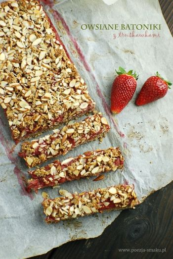 Oatmeal Bars with Strawberries