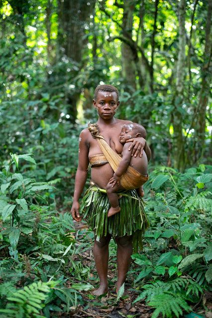 The Efe : people of the Ituri Rain Forest