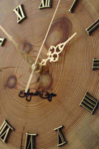 Zegar ze starego drewna (Old Wood Clock)