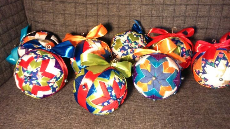 Quilted fabric balls - bombki choinkowe z materiału - patchwork