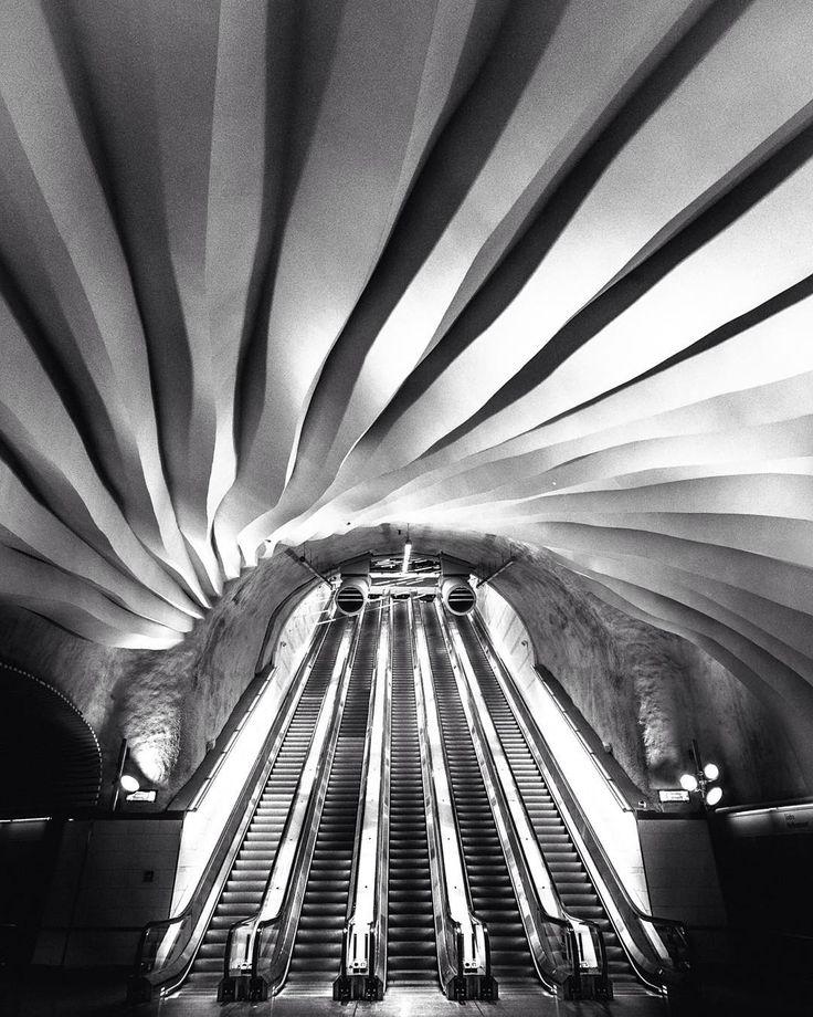 Urban whirlpool.  #stockholmcitystation #stockholm #sweden #Fujifilm_XSeries