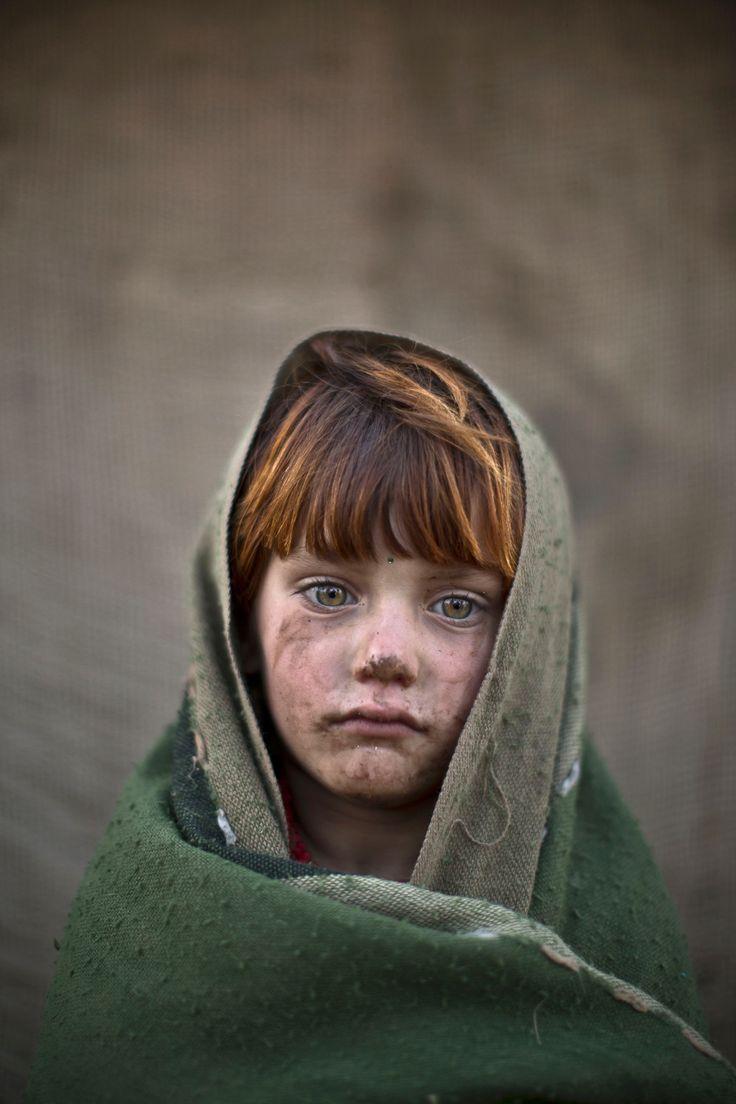 Muhammed Muheisen Photographs Afghan Refugee Children In Islamabad  In  Pictures