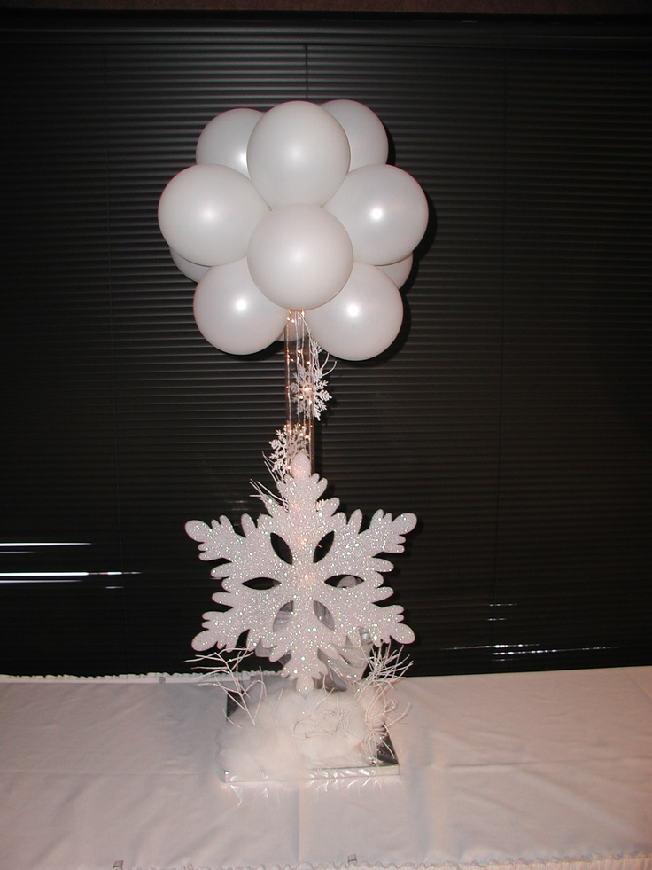 Snowflake balloon topiary