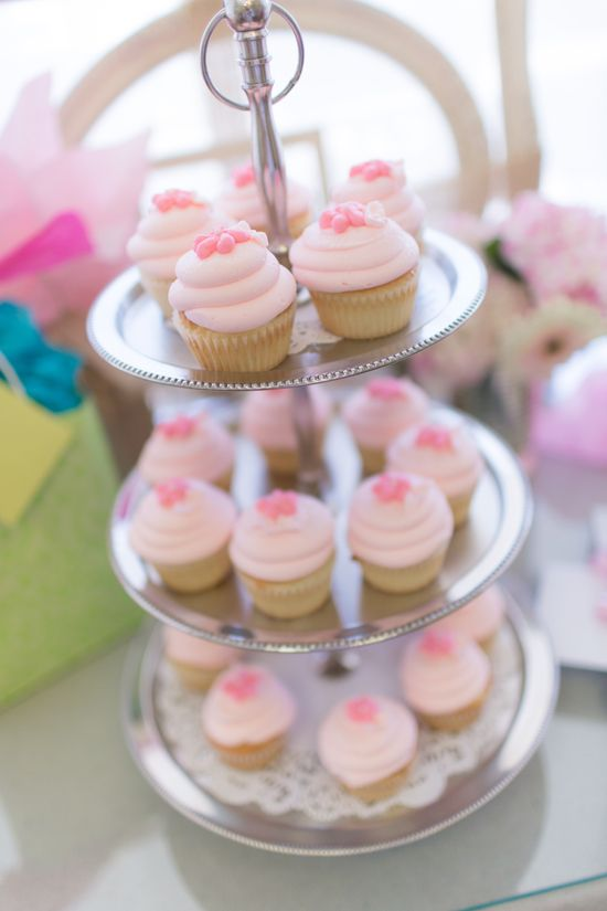 Vintage Shabby Chic Tea Baby Shower cupcakes