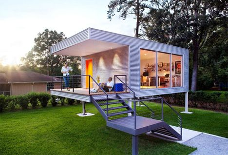 When homeowners in Savannah, Georgia needed some additional space to add an office to their home, they knew they couldn't alter their historic house. Rather than renovating their home to add a room, they called ASUL to create a one-of-a-kind modular backyard addition. Read more: http://dornob.com/cute-home-office-is-a-peaceful-backyard-working-retreat/#ixzz33qeHg6Aj