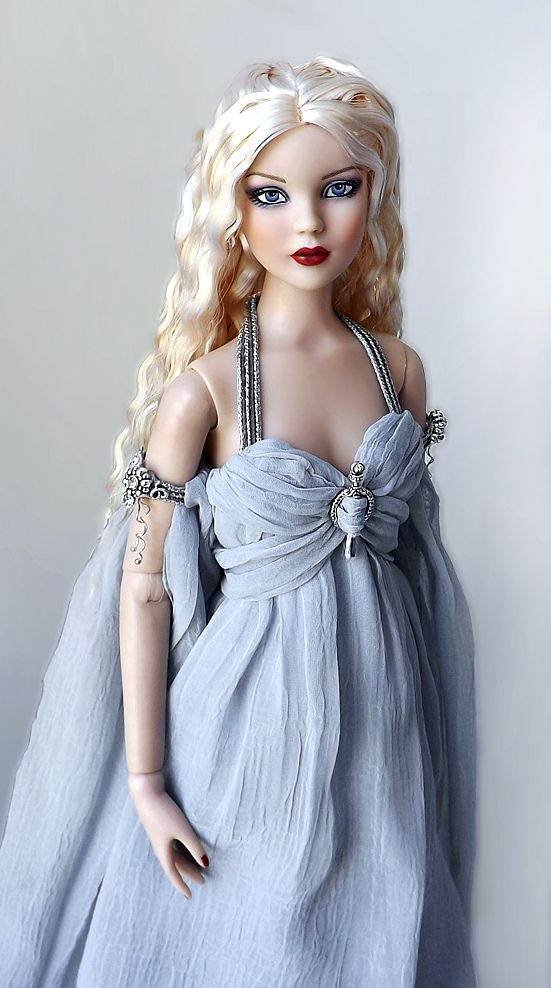 Beautiful doll!!  Dress, hair, face, all gorgeous!