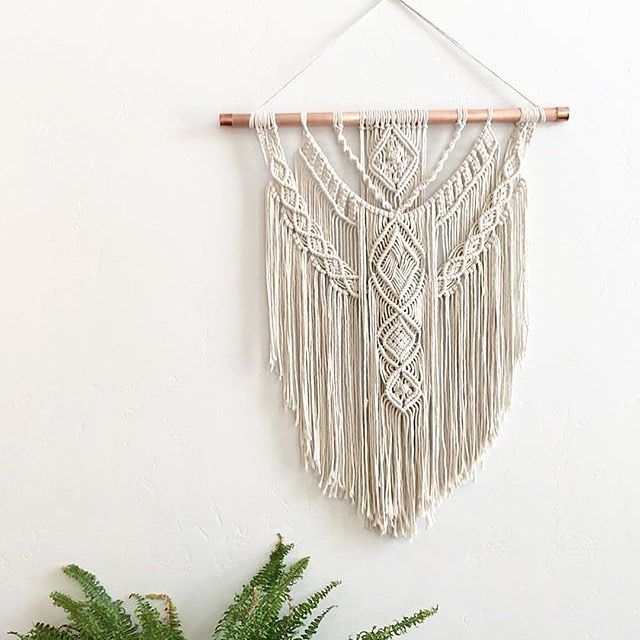 Stunning 🥨 knotting magic ✨ courtesy of @holmmademacrame 🌿 #macrame #fiberart #wallart #wallhanging #homedecor #handmadebusiness #buyhandmade #shophandmade #rockmountainco #loveyourshopsweeps #etsy #copper