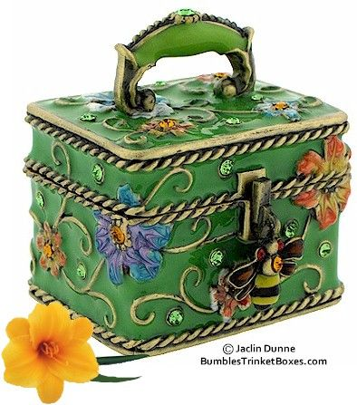 Trinket Box: Green Floral Square Bee |Pinned from PinTo for iPad|