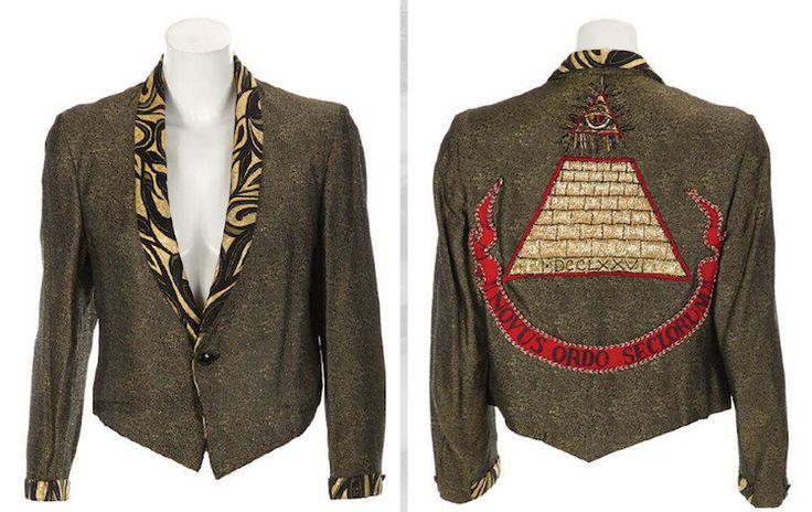 Soooo want this jacket! Maybe I can make it.                                                                                                                                                                                 More