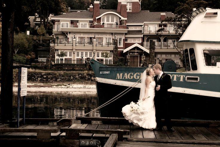 poets cove resort pender island wedding couple photography www.nancyangermeyer.com