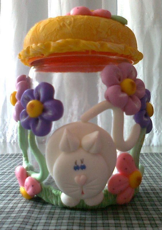 jogo de potes decorado em biscuit com flores e gato branco,vai ficar lindo na sua cozinha !!!  valor se refere ao jogo...  faço outras cores...    A PARTIR DE SETEMBRO AS ENCOMENDAS AUMENTAM,PORTANTO FAÇA SEU PEDIDO COM ANTECEDÊNCIA !!!