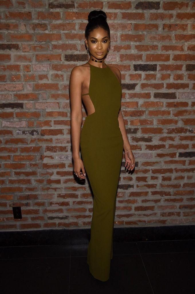 Savoir-Vivre : Foto | Dresses, Green evening gowns, Chanel iman