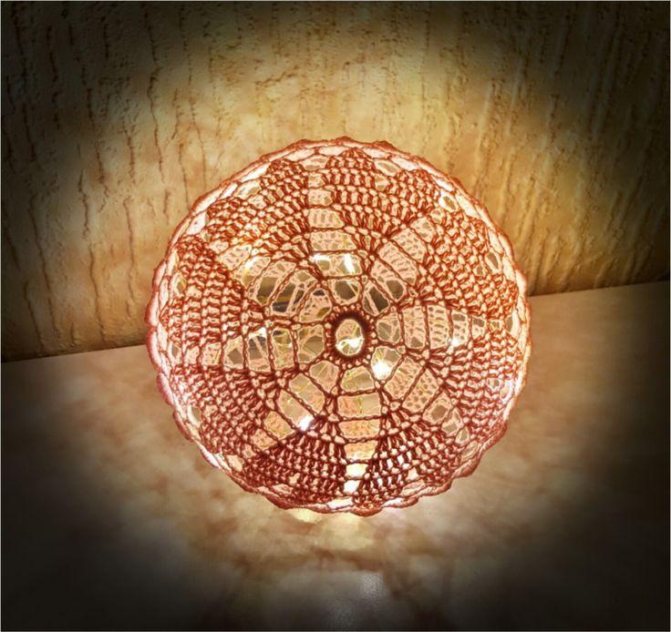 ❤️Husk at følge bloggen, da der er flere opskrifter på lyskugler på vej ❤️ Brug for hjælp? Find svar på de mest stillede spørgsmål til lyskuglerher. Materialer: 8/4 bomuld i ønsket farve Hæklenål…