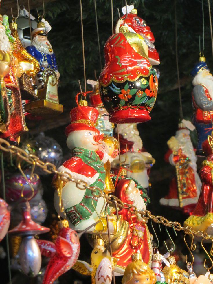 Popular Weihnachtsmark in M nchen Chinesischer Turm Englischer Garten