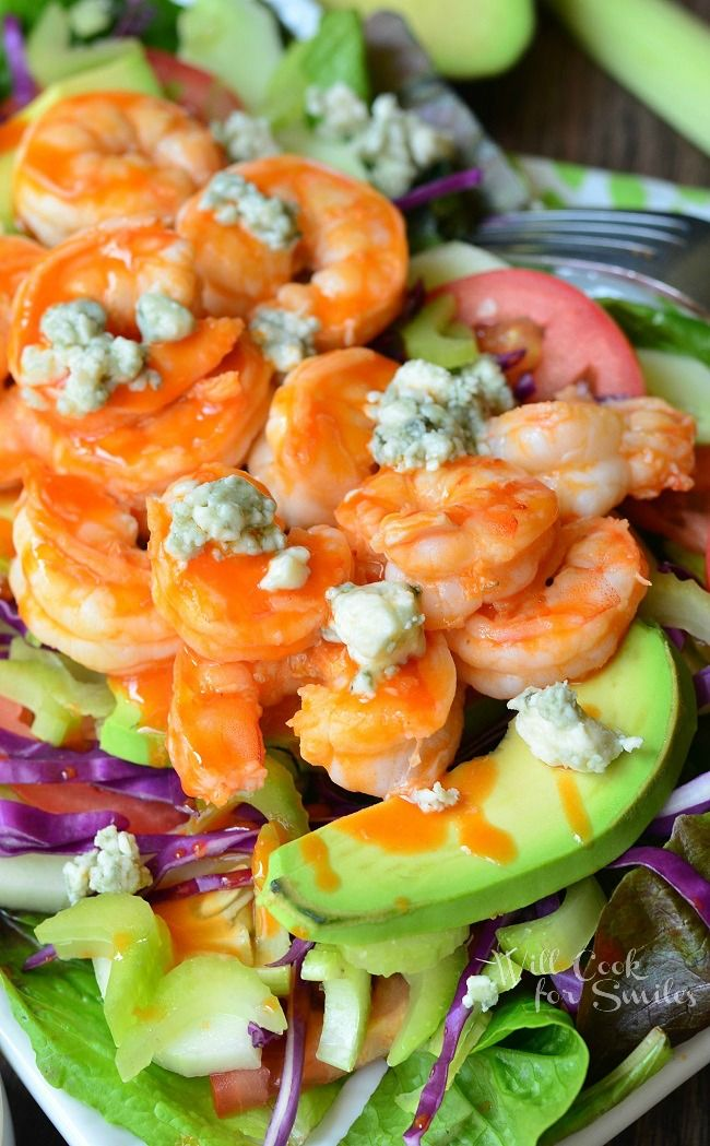 Buffalo Shrimp Salad with Homemade Blue Cheese Dressing | from willcookforsmiles.com