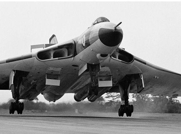 Royal Air Force Avro Vulcan B.2 bomber landing at RAF Tengah, Singapore in 1968. Photo by Brian Lawrence.
