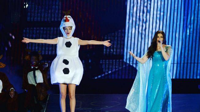 Taylor Swift e Idina Menzel se disfrazan de 'Frozen' por Halloween: