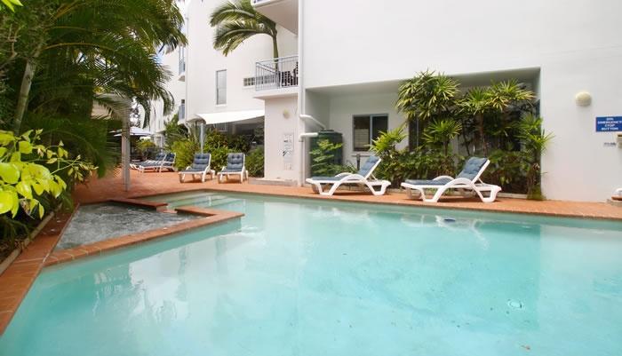 Noosaville Resort Accommodation at Rimini By The River - Noosaville Queensland Noosa VIP Limousines transfers Maroochydore Airport to Brisbane  www.noosaviplimousines.com