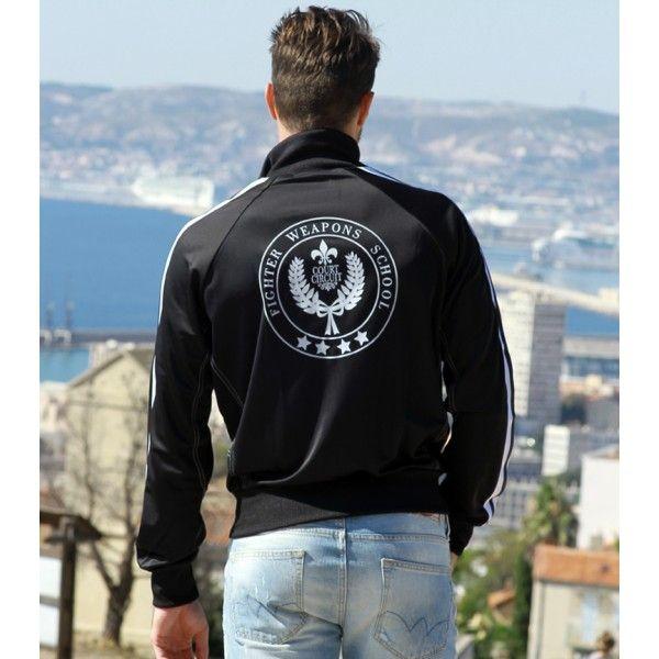 """""""Zipper angel"""" telle est baptisée cette veste noire et blanche véritable produit  sportswear """"chic"""" pour homme. Elle peut aussi bien s'accorder avec un jean qu'avec un bas de survêtement pour des activités sportives ou urbaines. Disponible sur : http://courtcircuit.fr/survetement/30-zipper-angel.html"""