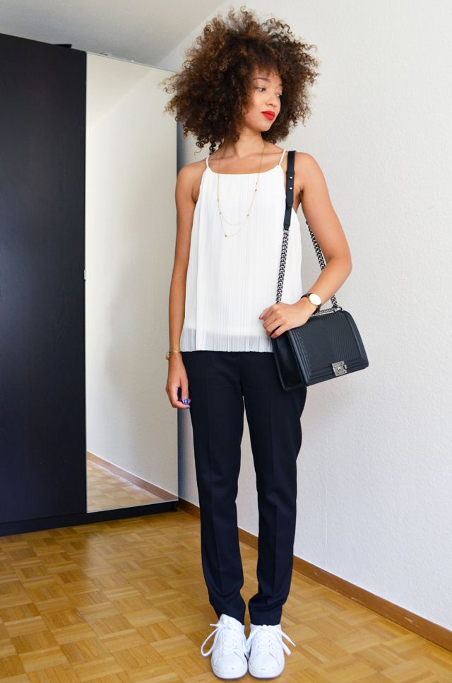 mercredie-blog-mode-geneve-suisse-costume-intemporel-noir-veste-pantalon-the-kooples-stan-smith-adidas-collier-apoi-jardins-babylone-chanel-boy-bag-medium-chevron