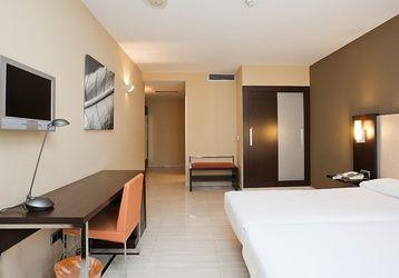 Esta es una de las habitaciones #adaptadas para personas con discapacidad de nuestro hotel ubicado en el centro de Barcelona. ¡ILUNION es accesible! http://www.ilunionalmirante.com/